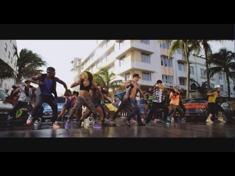 step up 4 trailer - Step Up 4 Revolution 3D nei cinema dal 4 ottobre e in anteprima nazionale il 27 settembre. http://www.stepup4revolution.it/ https://www.facebook.com/M2Pictur...