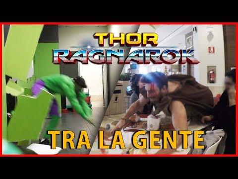 Distruggere un Bagno Vestiti da Hulk - Thor Ragnarok tra la Gente [Esperimento Sociale] - theShow