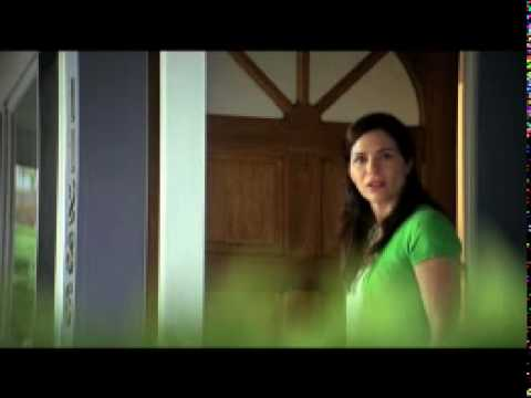Swiffer Commercial for Swiffer Sweeper Vac (2010) (Television Commercial)