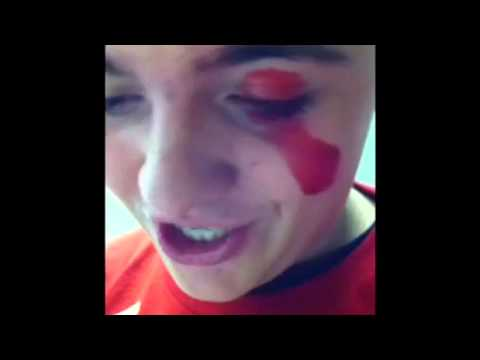 Dying Your Eye Red!