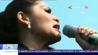 Kristina Menyanyikan Lagu