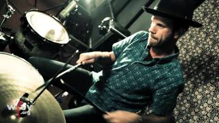 "Download Lagu Albert Hammond Jr. - ""Losing Touch"" (Live at WFUV) Mp3"