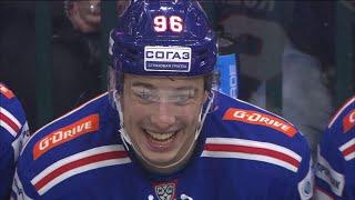 Кузьменко впервые забивает в форме СКА