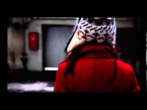 Tekst piosenki Massive Attack - Paradise Circus po polsku
