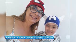 Amigos fazem carreata para comemorar vitória contra a leucemia