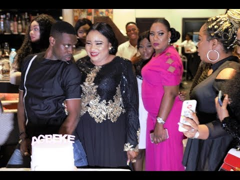 Lateef Adedimeji, Kemi Korede, Funmi Awelewa And Others Take Pictures With The Celebrant