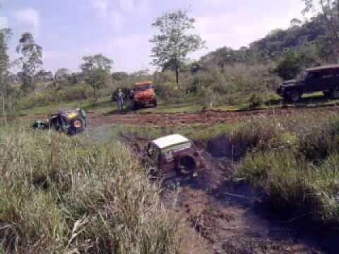 Jipeiros de Cascavel - acampamento Braganey Set/2010 Schuinka atoleiro