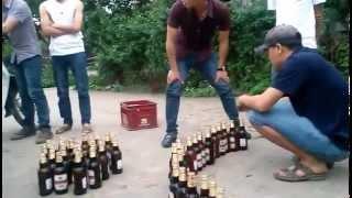 Thi mở nắp chai bia, vãi cả thi :))