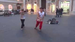 Video di musica hip hop e street dance nel centro di Roma.