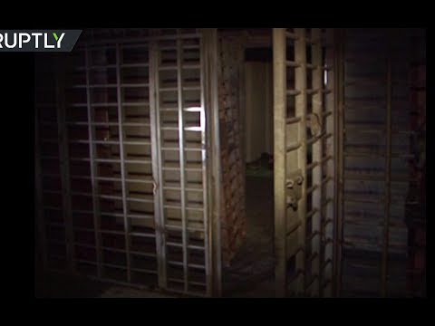 RAW: Underground ISIS prison discovered in Western Mosul