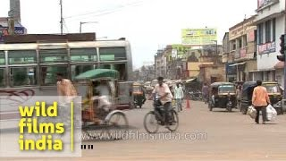 Cuttack India  city photos gallery : Busy street during rush hour in Cuttack, India