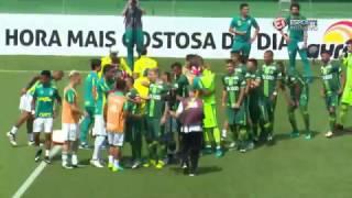 Atletas contratados para reconstruir a equipe catarinense fizeram sua estreia em amistoso, terminando em 2 a 2, na Arena...