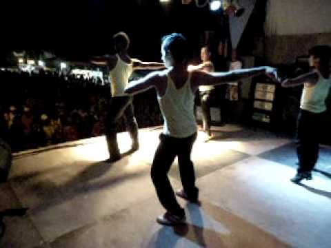 1º Festival Cultural em Itabela : Grupo  de Dança Comando Fenix.AVI