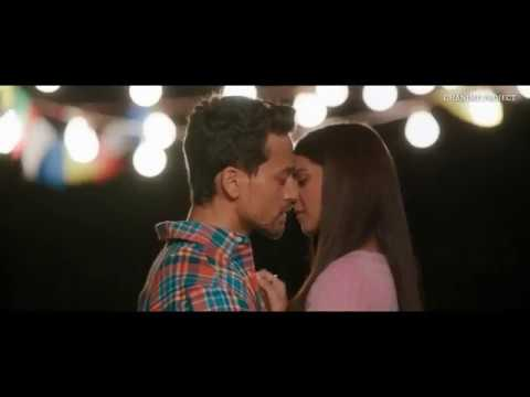 Kiss Scenes | Student Of The Year 2 Indian Movies