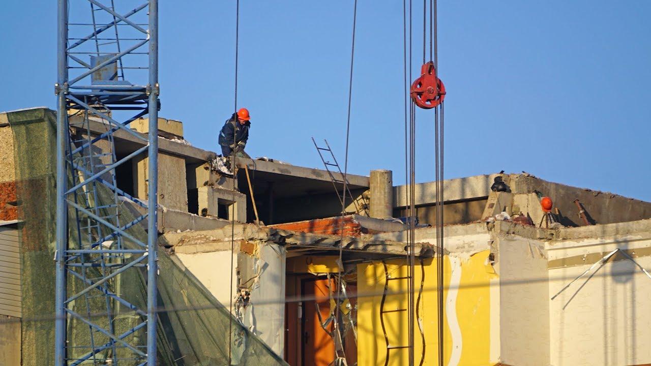 Демонтаж пострадавшей от взрыва секции дома на Удмуртской, 261