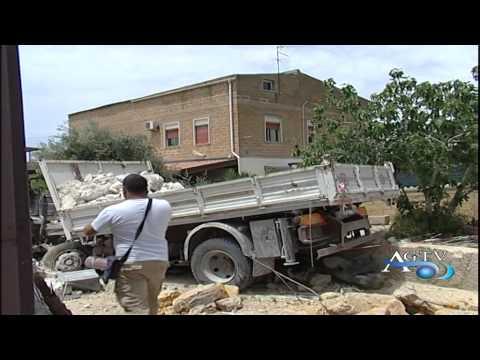 Camion perde il controllo dei freni e investe motociclista in via cavaleri magazzeni
