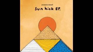 A 2011-es Sun Kick lemezről  (c) 2011. AM:PM Music ----------------------------------------------------------- Tetszik? Töltsd le / Hallgasd...