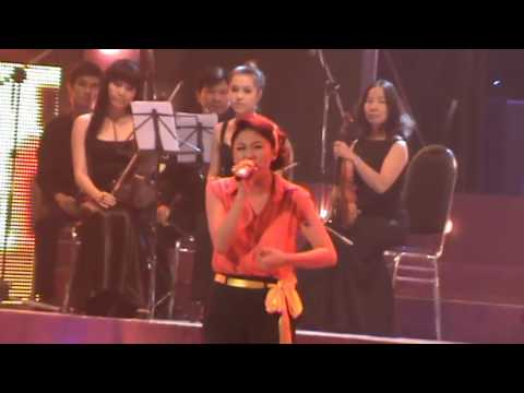 Nếu Như Anh Đến - Lễ Trao Giải Zing Mp3 2011 - Thời lượng: 109 giây.