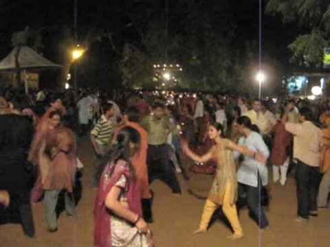 Video Navratri dances Ahmedabad, Gujarat download in MP3, 3GP, MP4, WEBM, AVI, FLV January 2017