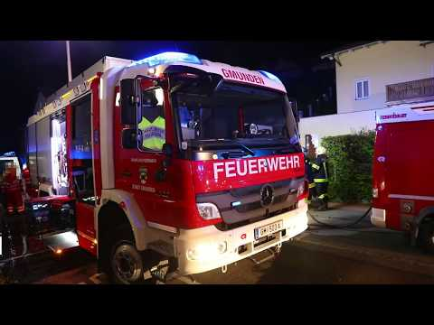 Zimmerbrand in einem Wohnhaus in Gmunden sorgt für größeren Einsatz