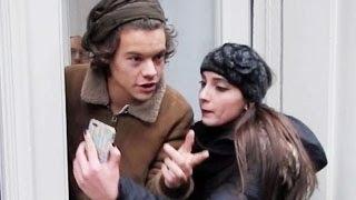 Harry Styles Threatens Paparazzi to Not Take His Photos