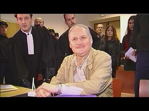 الادعاء الفرنسي يطالب بثالث مؤبد لكارلوس