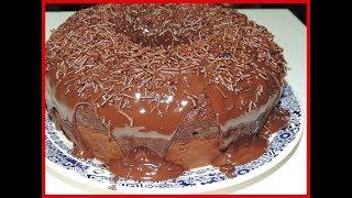 Hoje você vai tirar todas duvidas de massa de bolo pronta que compramos em supermercados como fazer ele do começo ao fim para que ele cresça e fica fofinho um bolo de chocolate e também vamos aprender a fazer uma cobertura de chocolate para bolo simples fácil e barata Ingredientes1 pacote de massa de bolo sabor de sua preferencia 3 ovos120 ml de leite ou água2 colher de sopa de margarina ou 150 ml de óleocalda de chocolateIngredientes :12 caixa de leite condensado1 caixa de creme de leite3 colher de sopa de chocolate em pó==============Querem mandar uma  carta ou Mimo para nosso Canalsó enviar pela caixa postal --------------------------------------------------------Adilson Martins figueiraCAIXA POSTAL 5026Rua 4 n 811 Setor CentralCEP. 74025970 - Goiânia - GO---------------------------------------------------------E-mail para contato :adilson05@gmail.com