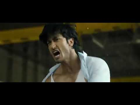 COMMANDO 2013 STARTING BUS STAND FIGHT SCENE OF VIDYUT JAMWAAL   JAMWAL