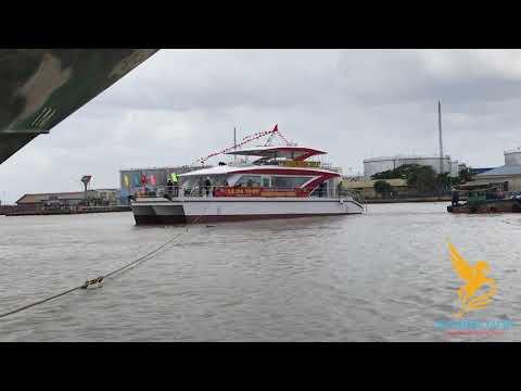 Cty TNHH Du Thuyền Ngựa Biển - Hạ thủy Du thuyền 3 thân 80 khách