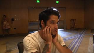 Check out my interview with Tyler Posey of Teen Wolf.Comic Uno Facebook: https://www.facebook.com/ComicUnoReviews/?fref=ts&ref=br_tf Comic Uno's Twitter: https://twitter.com/ComicUnoBuy Like Father, Like Daughter #1-3 in print: https://www.facebook.com/LikeFatherLikeDaughterComic/app/251458316228/ Buy Like Father, Like Daughter #1-3 on Comixology:  https://www.comixology.com/Like-Father-Like-Daughter/comics-series/70027Like Father, Like Daughter Website:http://likefatherlikedaughter.webcomic.wsMedia Madness Like Page: https://www.facebook.com/MediaMadnessVidcast?fref=ts