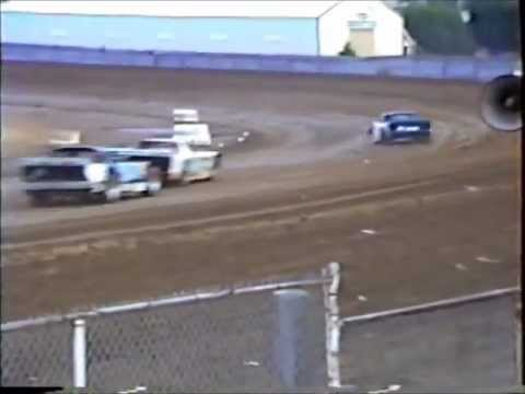 Dirt Track Racing  1st Heat Race Modified Street Stock