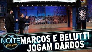 Marcos e Belutti jogam dardos | The Noite (15/06/17)