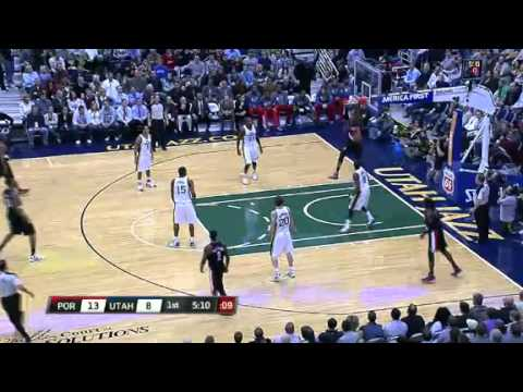 Marcus Camby to LaMarcus Aldridge alley-oop against Jazz