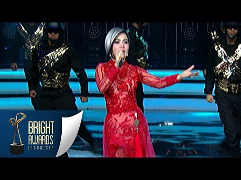 Video Syahrini 'Seperti Itu' Opening Bright Awards [Bright Awards] [08 Mar 2016] download in MP3, 3GP, MP4, WEBM, AVI, FLV January 2017