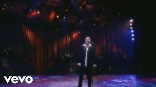Music video by Fábio Jr. performing Senta Aqui (Sientate). (C) 2003 BMG BRASIL LTDA.