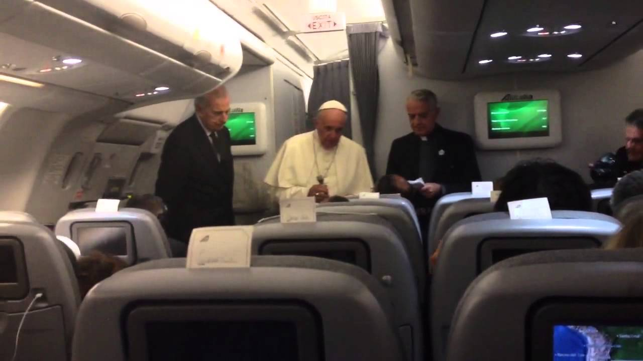 Conf prensa Papa vuelo Asuncion Roma