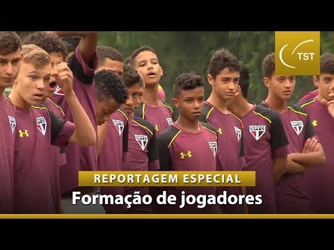 Os jogadores menores de dezesseis anos que sonham se tornarem estrelas do futebol brasileiro. Confira!