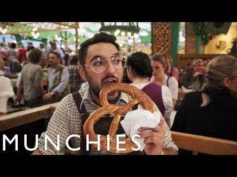 Pork Knuckles and Weisswurst: MUNCHIES Presents Oktoberfest (видео)