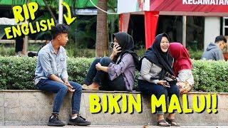 Video PRANK NGOMONG SOK INGGRIS - TAPI BAHASA INGGRISNYA KACAU BIKIN NGAKAK  | Prank Indonesia MP3, 3GP, MP4, WEBM, AVI, FLV April 2019