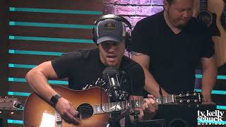 Dustin Lynch Performs