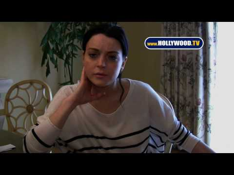hollywoodtv - Exclusive video shot by HOLLYWOOD.TV in Beverly Hills with Lindsay Lohan Hollywood.TV is your source for celebrity gossip and videos of your favorite stars! ...