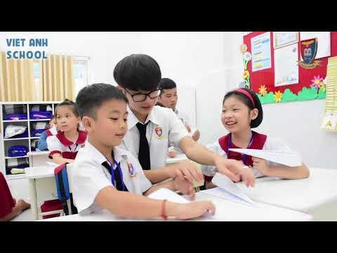 Clip học sinh lớp 12 - Lễ tri ân & trưởng thành niên khoá 2015-2018