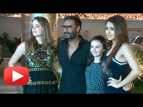 Ajay Devgn Poses With Shivaay Girls At The Screeni