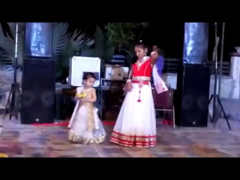 Video Ek Baar Jarur Dekhe : Shadi Me Chhoti Si Ladki Ka Jaandaar Dance download in MP3, 3GP, MP4, WEBM, AVI, FLV January 2017