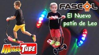 El Nuevo patín Fascol Surfing Scooter de Leo con ruedas LED