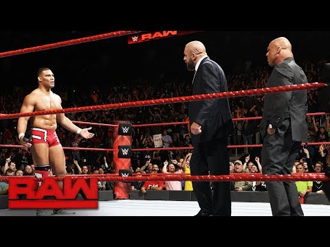 Triple H returns to join Team Raw at Survivor Series: Raw, Nov. 13, 2017