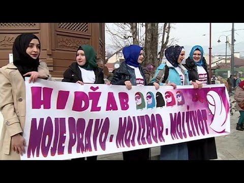 Βοσνία: Διαδήλωση υπέρ της «χιτζάμπ»