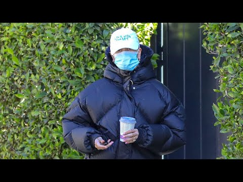 Hailey Baldwin Bundles Up To The Max Following AM Workout
