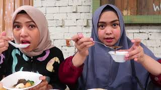 Download Video COBAIN MAKAN NASI PALING ENAK DI DEPOK MP3 3GP MP4