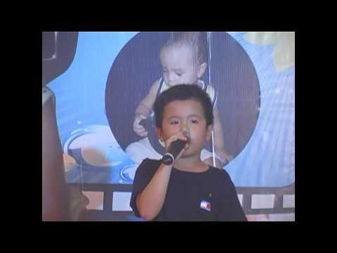 Không Cảm Xúc - Bé 5 tuổi hát live đẳng cấp